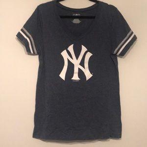 Yankees V Neck Tee
